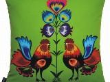 Poduszka ozdobna folk koguty i kwiaty