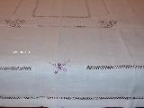 Obrus lniany, biały, fabryczny haft 176x135