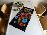 Digitally printed table runner (3)