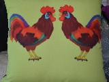 Poduszka dekoracyjna folk dwa koguty 40x40 (w-16)