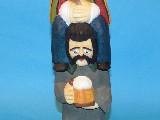 Rzeźba ludowa - Baba na chłopie, wys 36 cm