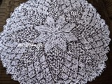 Obrus koronkowy (robiony na drutach) śred. 108 cm