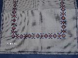 Bieżnik haftowany, haft krzczonowski dł.80 cm, szer. 36 (bw)