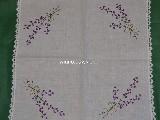 Serweta ręcznie haftowana, motyw lawendy 50x50 cm