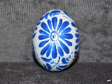 White and blue Easter egg - chicken egg, Kuyavian pattern, hand-painted
