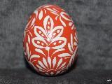 Pisanka czerwona, jajo kurze, wzór kujawski, ręcznie malowana