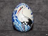 Pisanka z bocianem, biało-niebieska, jajo kurze, wzór kujawski, ręcznie malowana