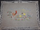 Serwetka z motywem wielkanocnym, ręcznie haftowana, wykończona ręcznie koronką 62x48 (kz-5)