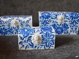 Trzy skrzyneczki drewniane ręcznie malowane, wzór kujawski, biało-niebieskie